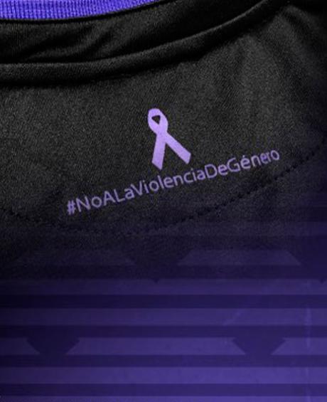El Lega luce equipación contra la violencia de género