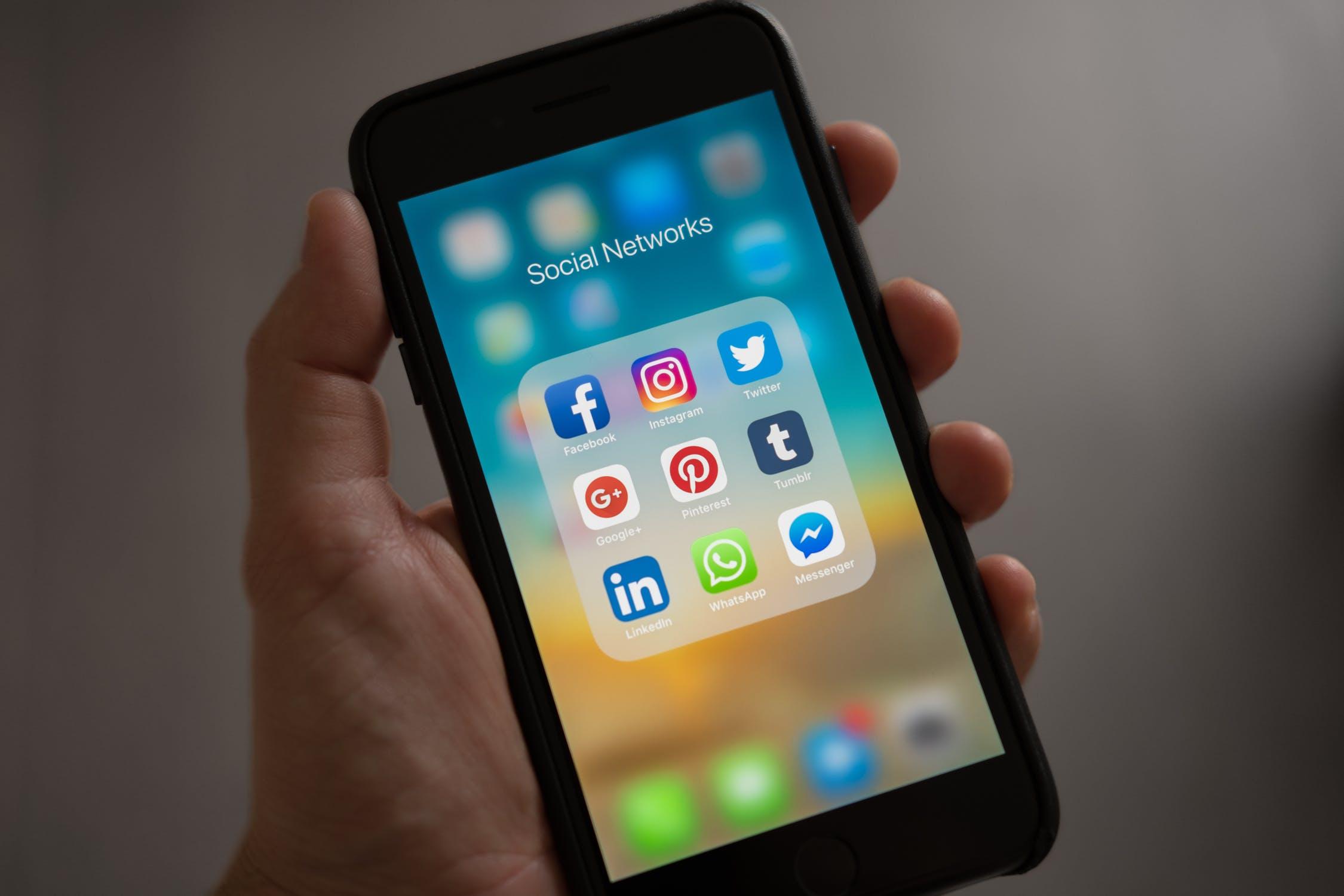 Las redes sociales como canal de comunicación o venta